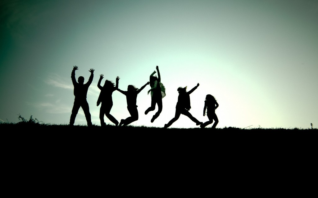 friendship-background-images-jumping-1024x640