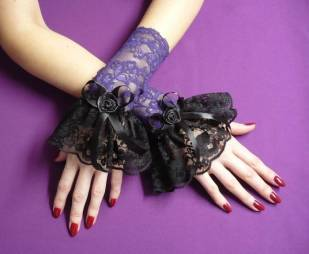 goth_lolita_wrist_cuffs_purple_by_estylissimo
